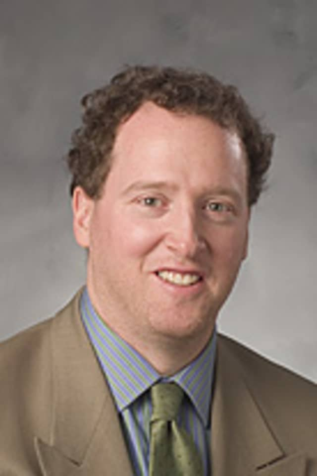 Dr. Jerald D. Wishner, co-director of the Institute for Robotic and Minimally Invasive Surgery and medical director of the Colorectal Surgery program.