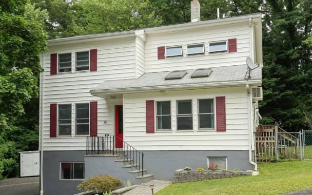 15 Skylark Drive, Cortlandt Manor