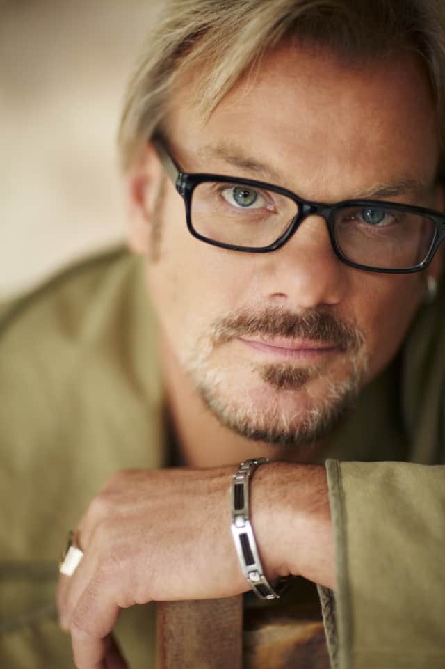 Country singer-songwriter Phil Vassar will perform at the Ridgefield Playhouse on Jan. 16 with Bobby McGrath as special guest.
