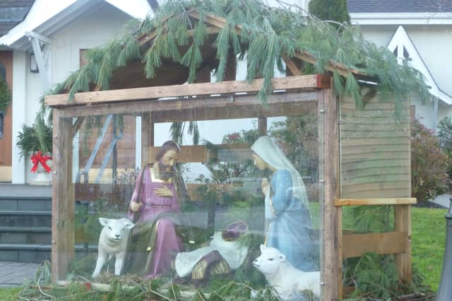 See what's open and closed in Lewisboro for Christmas.