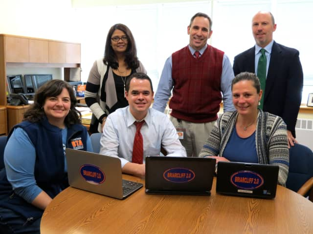 New York State Sen. David Carlucci (D-Rockland-Westchester) visited Briarcliff Manor to discuss how state funds will contribute to the district's 1-to-1 initiative.