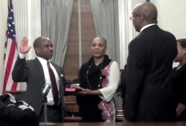 Mount Vernon City Council President Marcus Griffith is sworn into his new position.