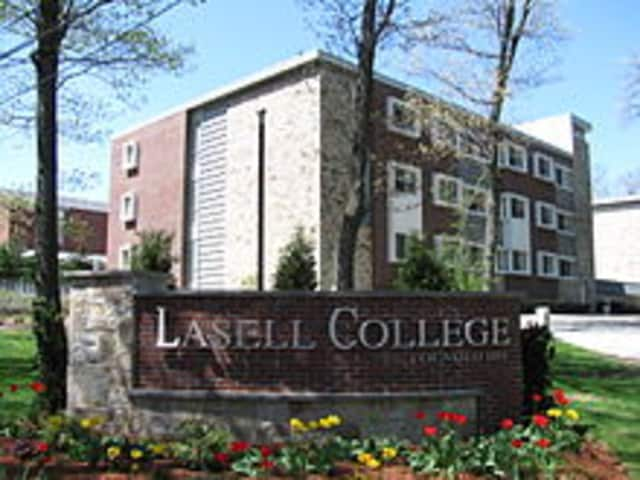 New Canaan resident Bridget Dougherty was named to the dean's list at Lasell College.