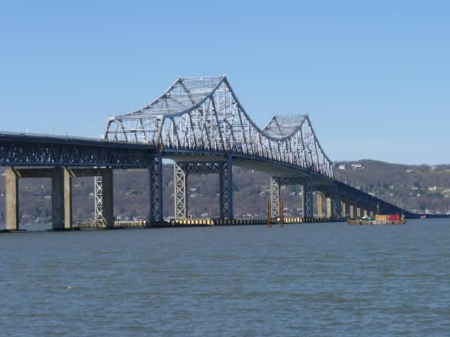 Plans to build a new $5.2 billion Tappan Zee Bridge unanimously were approved Monday by the New York Metropolitan Transportation Council.