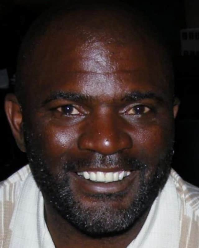 Lawrence Taylor will be doing an autograph signing in Croton Jan. 23.