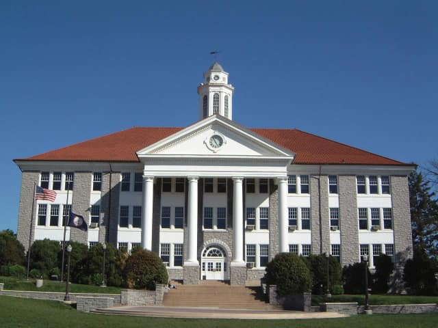 Three Wilton residents were named to the dean's list at James Madison University.