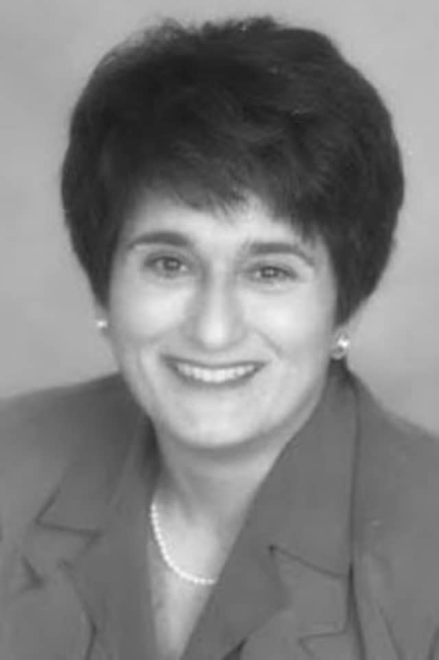 Joan Merrill is a  Geriatric Care Manager for Waveny LifeCare Network, and serves clients throughout Fairfield County.