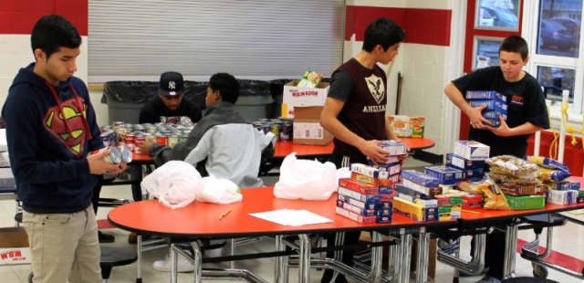 Elmsford students collaborate to make a Thanksgiving dinner for less fortunate families.