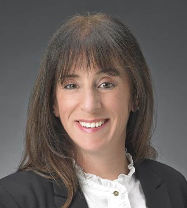 Lori Calamari joins Sotheby's in Scarsdale as a licensed associate real estate broker.