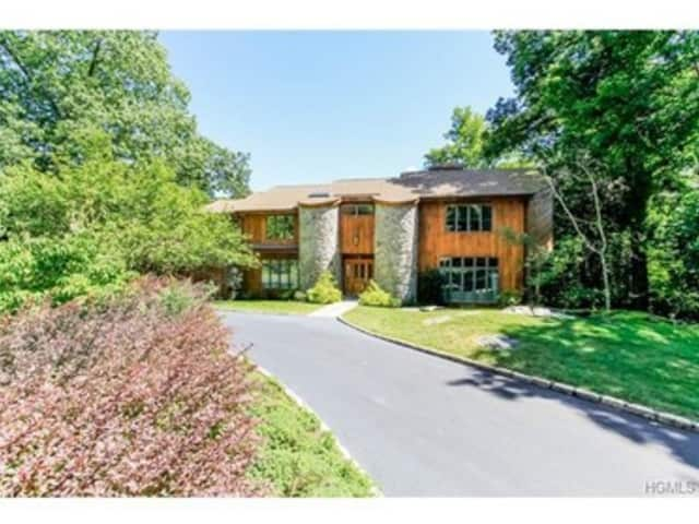 66 Chestnut Hill Lane, Briarcliff Manor