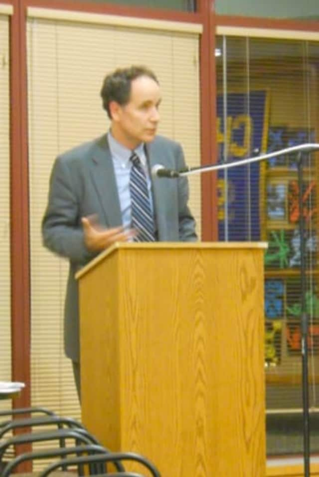 Andrew Selesnick, pictured at a 2011 Chappaqua school board meeting.