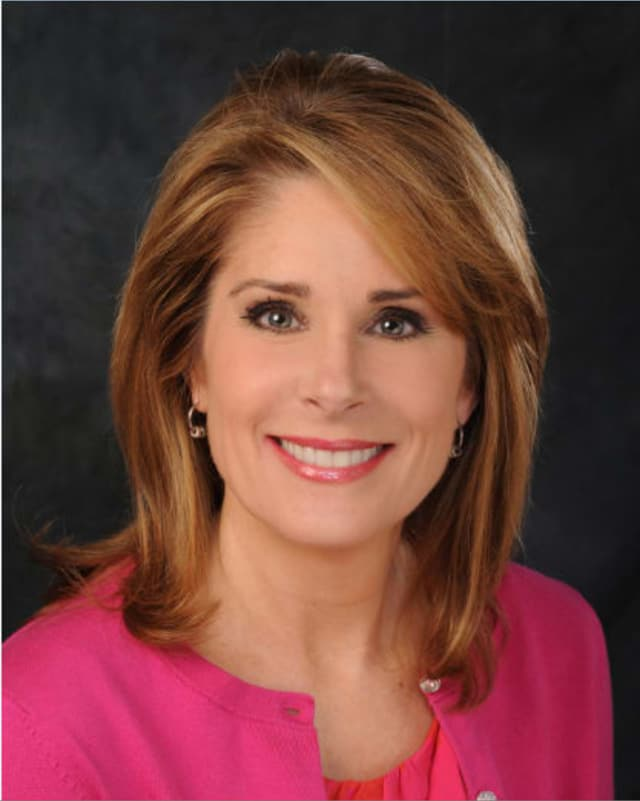 News 12 Connecticut's Rebecca Surran will moderate a women's forum in Stamford on Feb. 25.