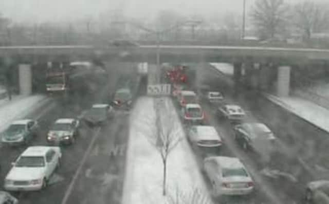A look at conditions Sunday afternoon on I-95 near the Westchester/Bronx border.