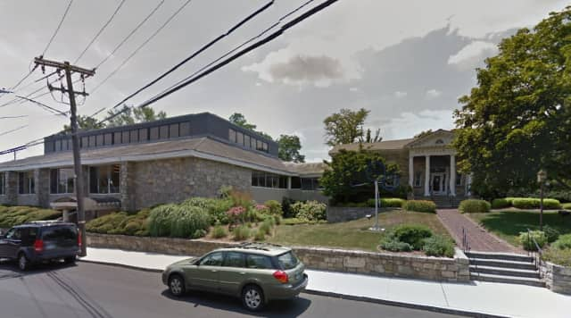 The New Canaan Library is preparing to kick off a campaign to raise $25 million for a new library, newcanaannewsonline.com reported.
