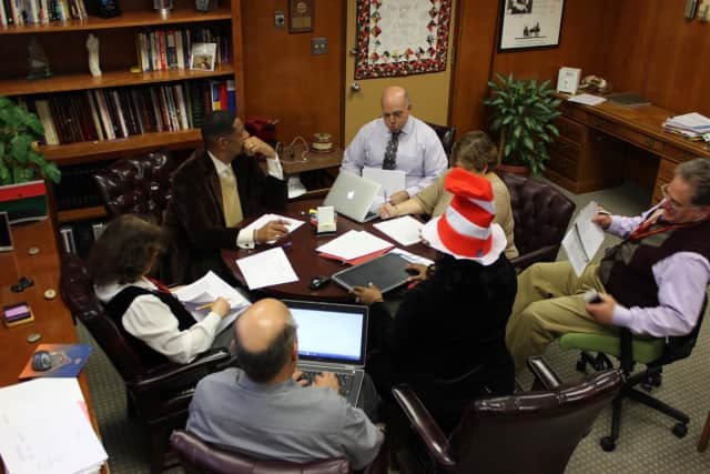 Mount Vernon School District officials reviewing the proposed budget that will be presented Saturday.