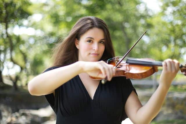 Rachel Alexander will be offering violin workshops at the Ossining Public Library.