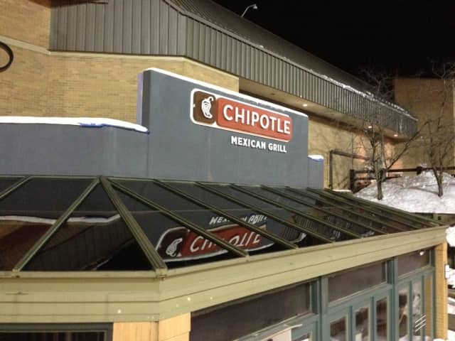 The Darien Northbound Service Plaza welcomes new restaurant Chipotle Mexican Grill.