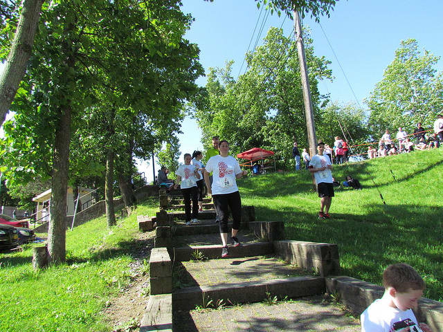 Runners participate in last year's Clear View School Run/Walk to the Kids 5K in Ossining.