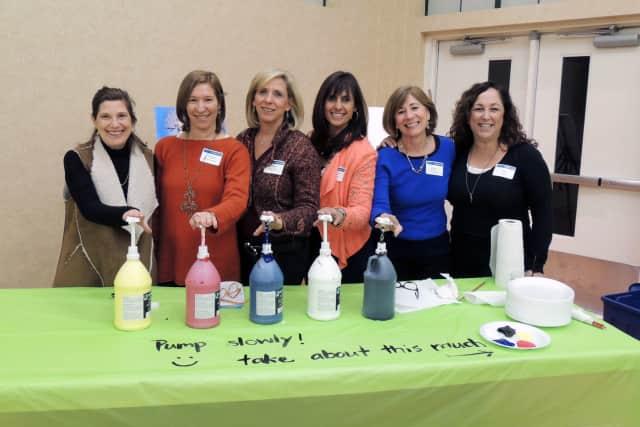 From left: Roseanne Amoils, Caren Osten Gerszberg, Nancy Kanterman, Raelin Kantor, Ileen Greenberg and Joy Zelin.