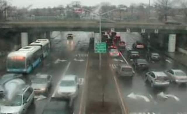 A look at conditions on I-95 at Bartow Avenue near the Bronx-Westchester border Tuesday afternoon.