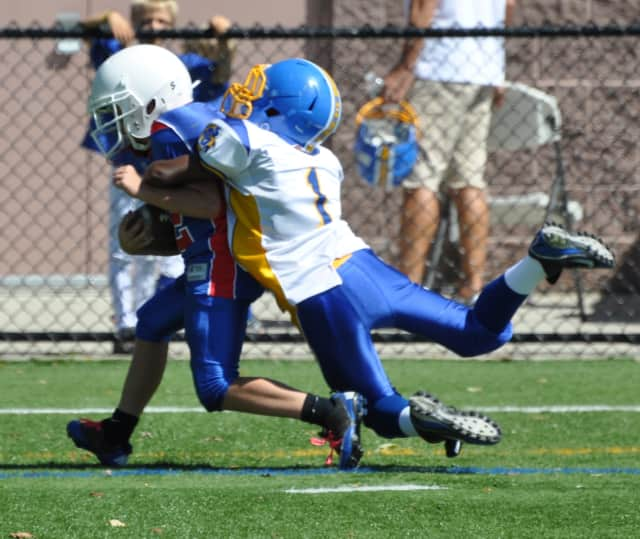 It may be spring, but it's time to sign up for Eastchester Blue Devils football and cheer teams.