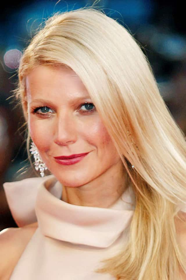 Gwyneth Paltrow, a former resident of Waccabuc, finalized her divorce agreement with former husband Chris Martin, according to a report.