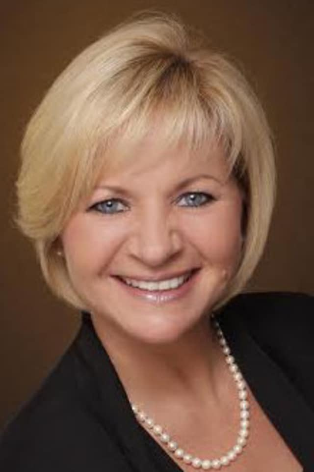 Coldwell Banker promoted Donna Riniti to regional vice president for Westchester County.