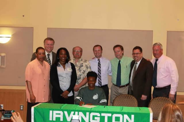 Irvington High School senior Kiana Lee has signed a National Letter of Intent at University of North Carolina- Charlotte.