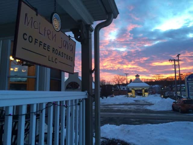 Bethel's Molten Java Coffeehouse will hold a fundraiser to purchase a new expresso machine on Sunday, May 3.