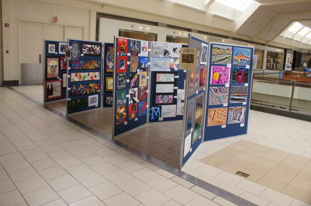 "The Lakeland Central School District will host its 31st annual ""Lakeland Week of the Arts"" event at Jefferson Valley Mall in Yorktown Heights from May 9 - 22."