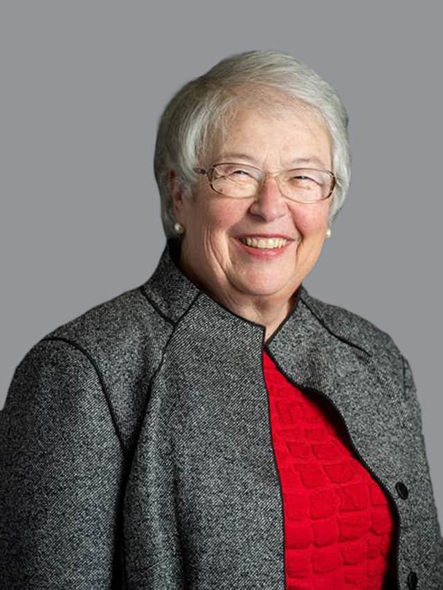Carmen Farina