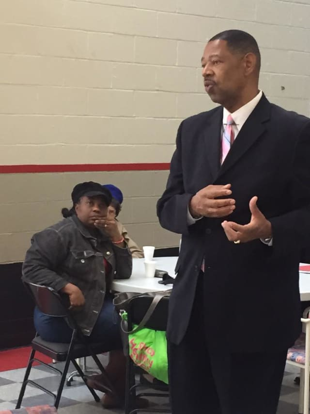 Mount vernon Superintendent Kenneth Hamilton has earned a three year extension from the Board of Education.