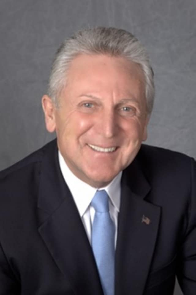 Norwalk Mayor Harry Rilling and his wife, Lucia, are kicking off the city's first Mayor's Fitness Challenge Saturday