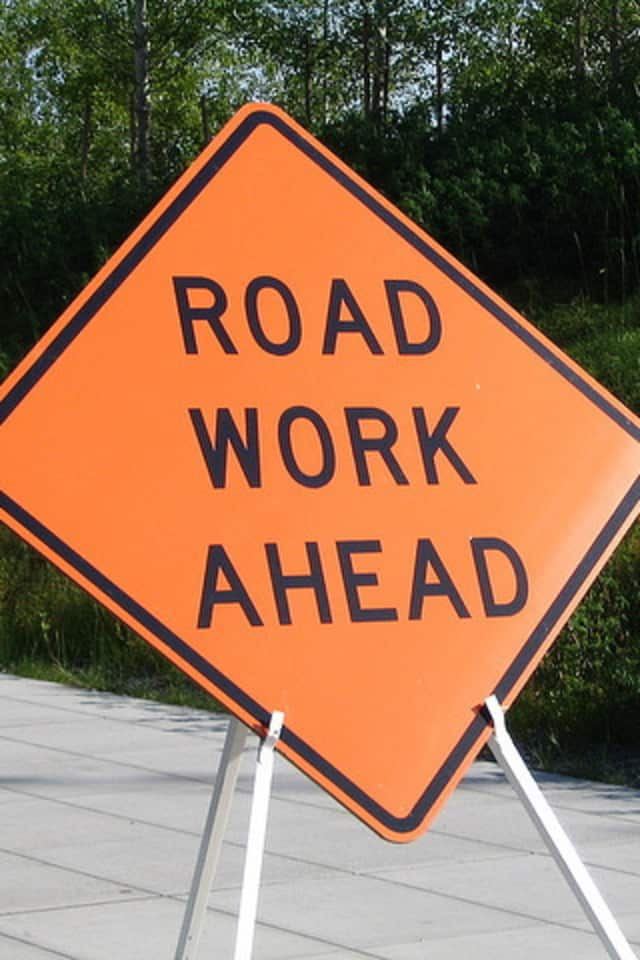 Motorists are advised that double-lane closures are planned on the Hutchinson River Parkway during the upcoming workweek.