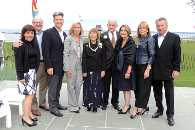 (L-R) Laurie and Stephen Girsky of Mamaroneck; Michael and Nancy Kanterman of Mamaroneck; Suzi and Martin Oppenheimer of Mamaroneck; Judith Hyman Darsky of Larchmont; and Sherry and Robert Wiener of Mamaroneck.