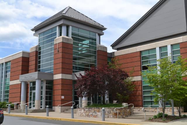 Norwalk Community College workshop offers resume-writing training.