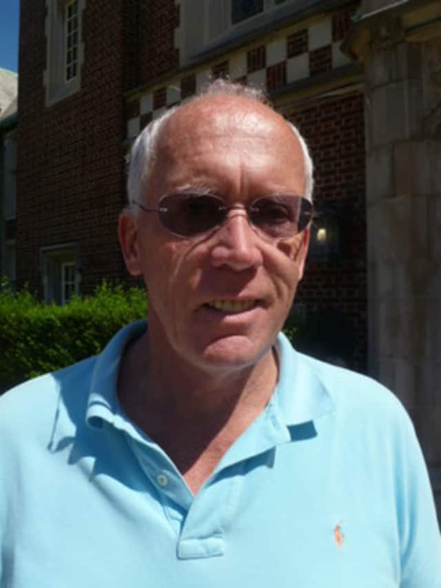 Bronxville coach Jim Mitchell will have his cross country team at the New York State Qualifier at Bowdoin Park Friday.