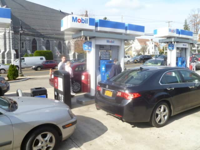 Drivers lined up to fill gas in Dobbs Ferry at Mobil, which is out of gas today.