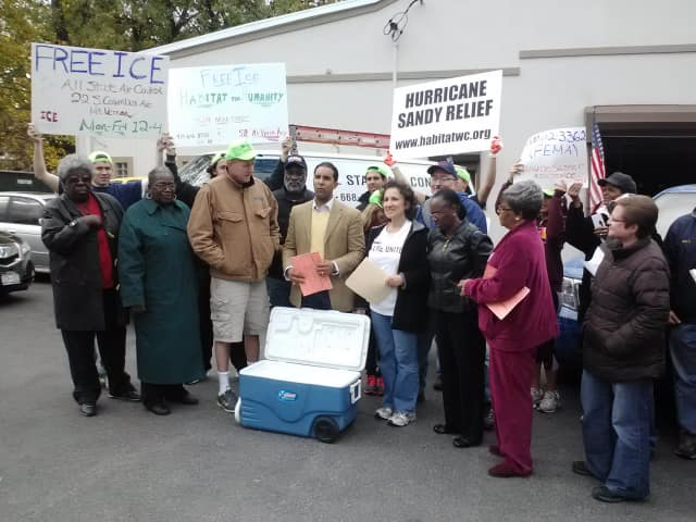 Mount Vernon leaders are urging residents to work together in the aftermath of Hurricane Sandy.