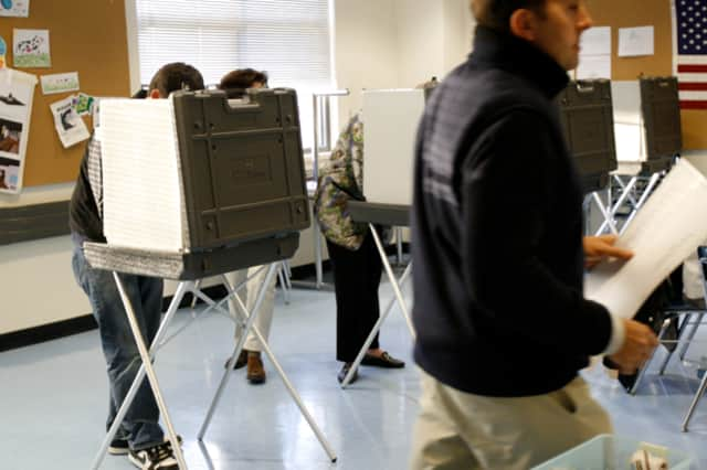 Darien voters are reminded there are several ways to register to vote or update their information.