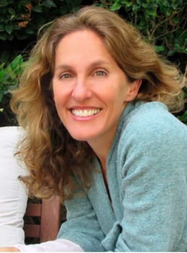 Laura Nicole Diamond
