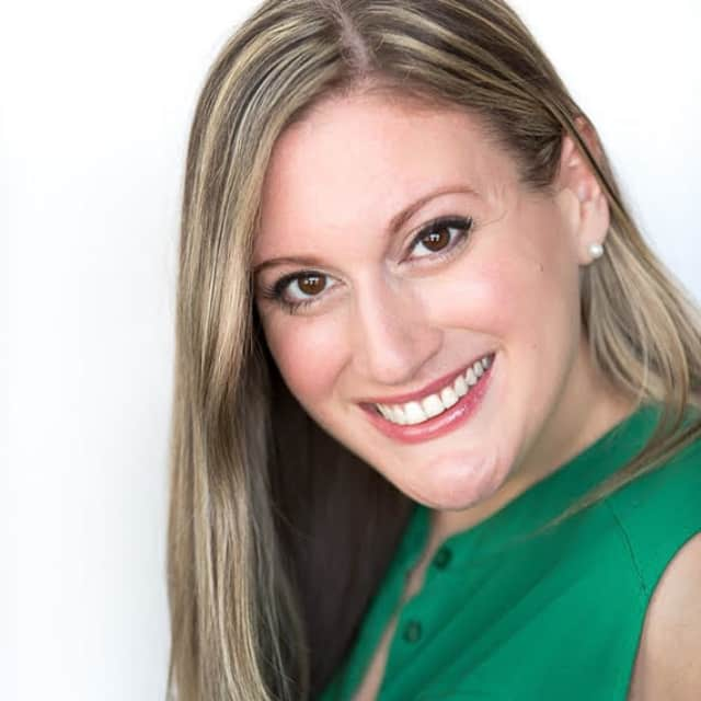 Robyn Cucurullo O'Brien also serves on the board of the Hope For Change Foundation, a Westchester-based charitable organization that raises money for breast cancer research through theatrical performances and other events.