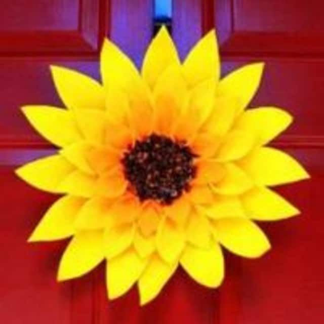 The Field Library is offering a sunflower wreath making workshop on July 18.