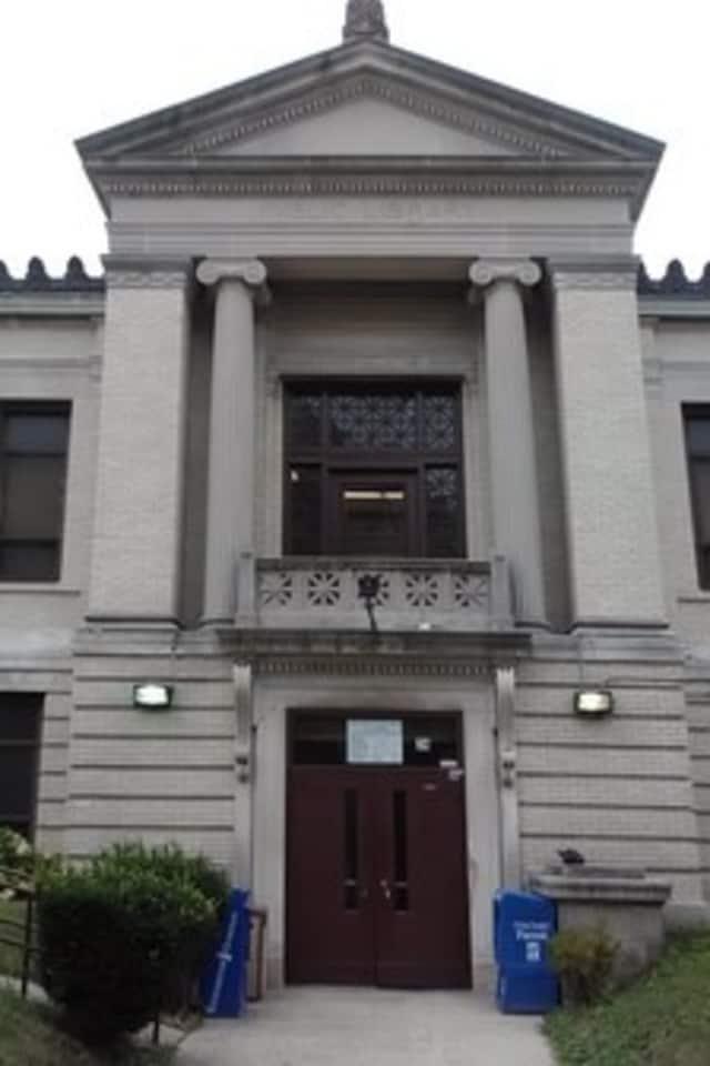 The Mount Vernon Public Library.