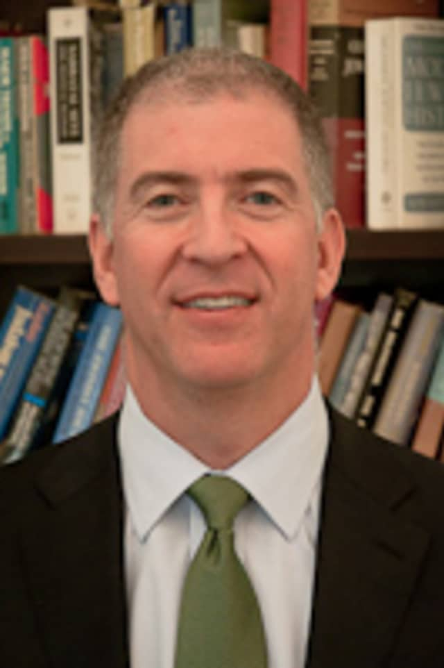 Rabbi Donniel Hartman will hold a discussion in Scarsdale.