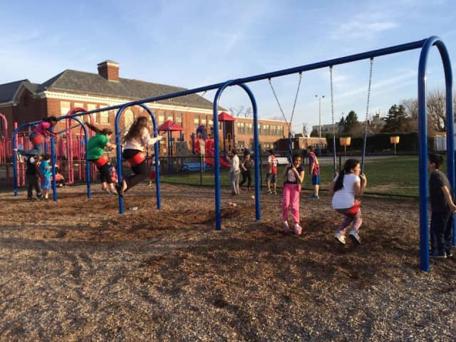 Weekend playgroups continue for incoming Waverly School kindergartners and their parents.