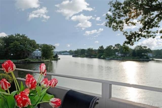 This lake view can be had for $2.47 million, which includes a three-bedroom home that you can see at an open house this weekend.