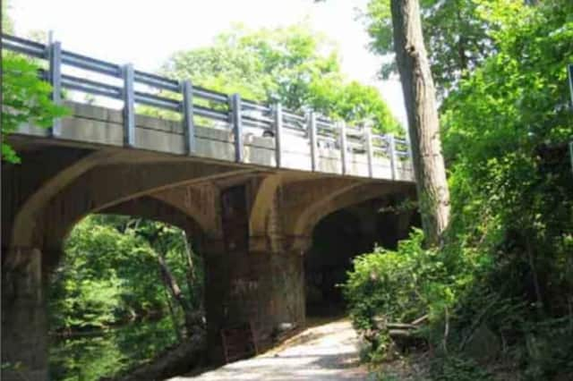 Work on the Crane Road Bridge replacement project will keep portions of the Bronx River Parkway closed on Saturday.