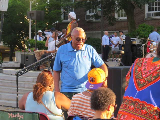 Mount Vernon Mayor Ernest D. Davis talks to concert goers at the town's Free Summer Concert Series.
