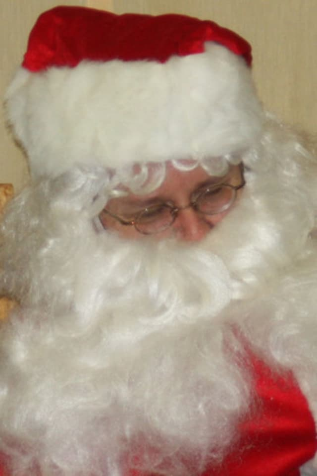 Santa Claus is coming to Katonah this Saturday, Nov. 24 in an event sponsored by the Katonah Chamber of Commerce.